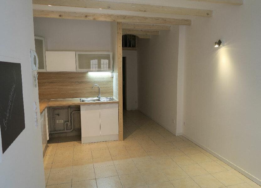 Appartement à louer 38m2 à Lambesc