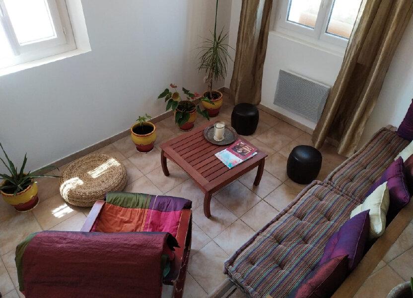 Appartement à louer 87m2 à Lambesc