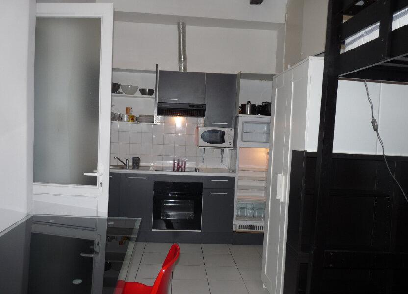 Appartement à louer 19m2 à Marseille 8