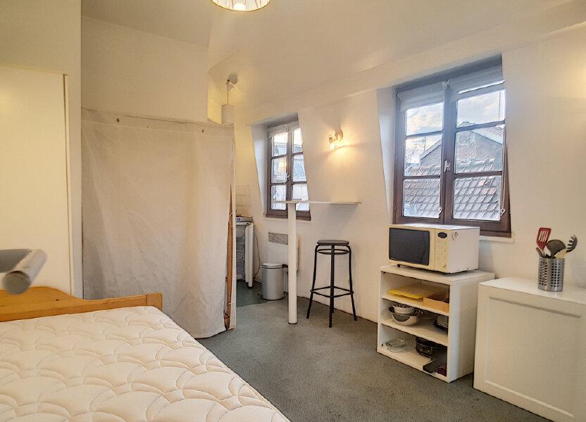 Appartement à louer 18.87m2 à Lille