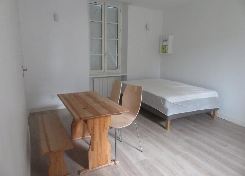 Appartement à louer 25m2 à Pau