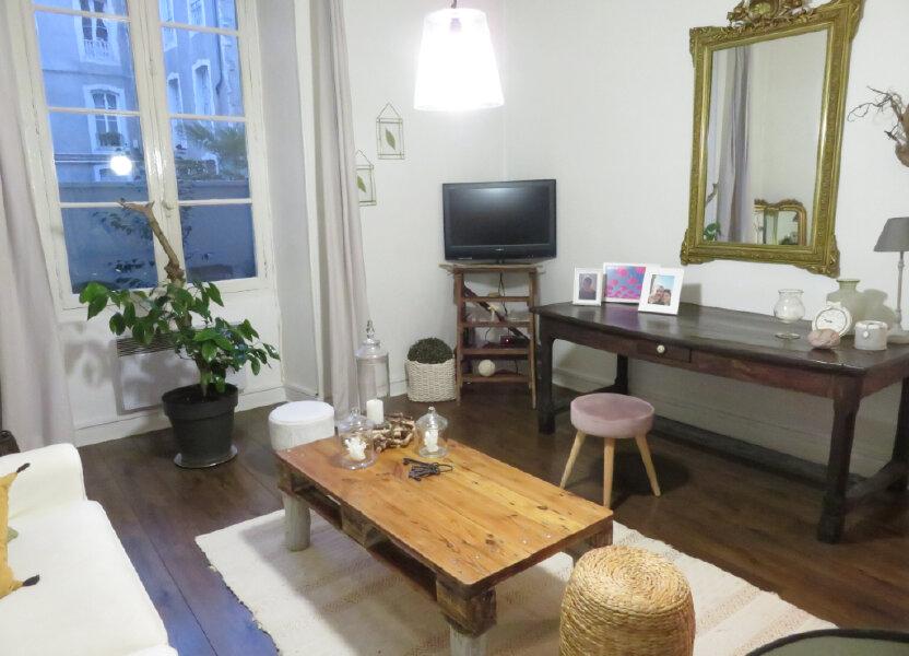 Appartement à louer 48m2 à Pau