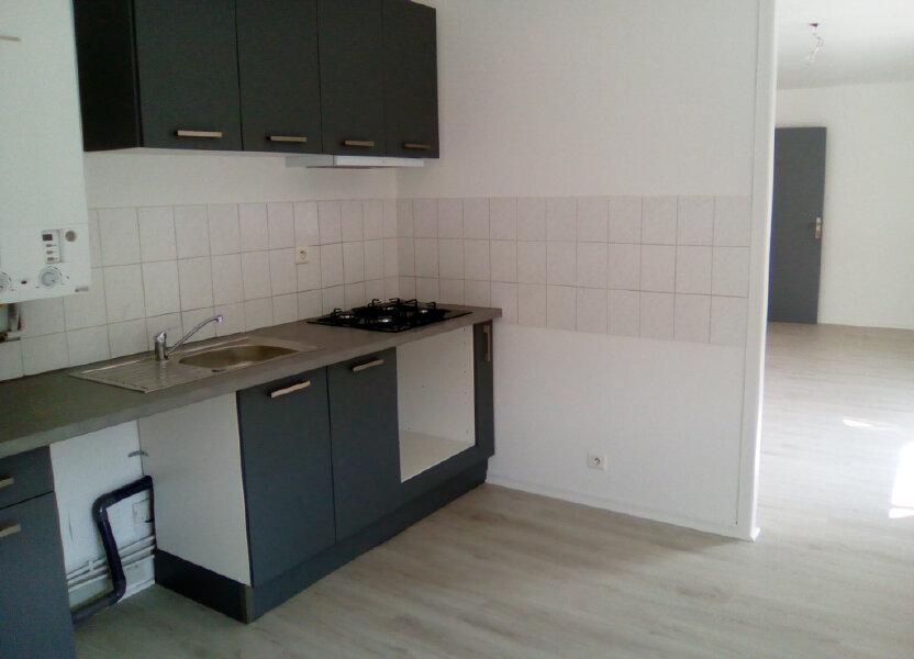 Appartement à louer 61.57m2 à Nay