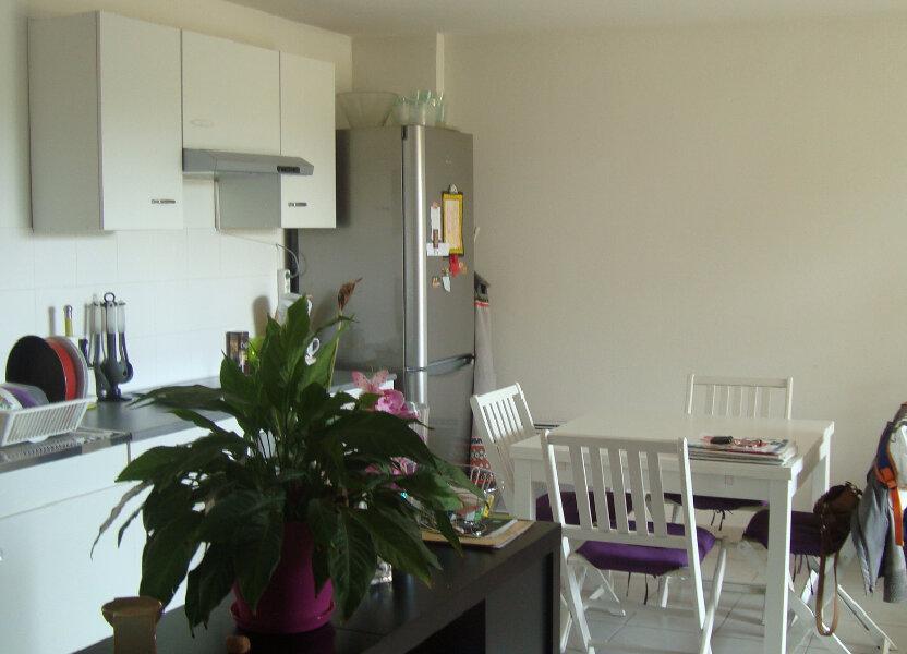 Appartement à louer 54.4m2 à Lunel