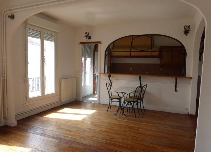 Appartement à louer 71.99m2 à Reims