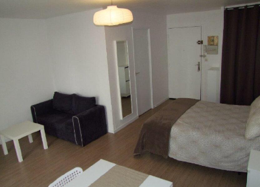 Appartement à louer 32.42m2 à Dax