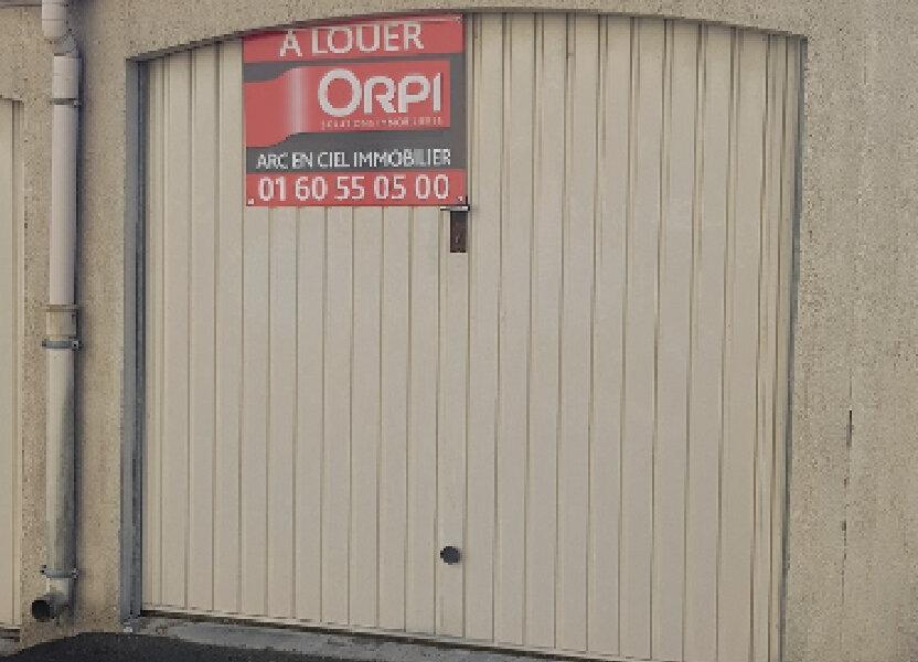 Stationnement à louer 10m2 à Saint-Pierre-lès-Nemours