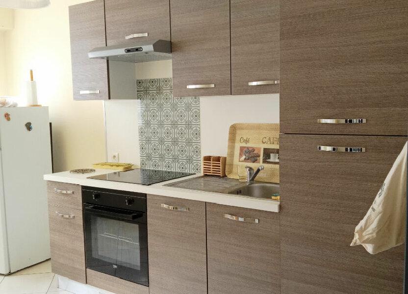 Appartement à louer 77.14m2 à Reims
