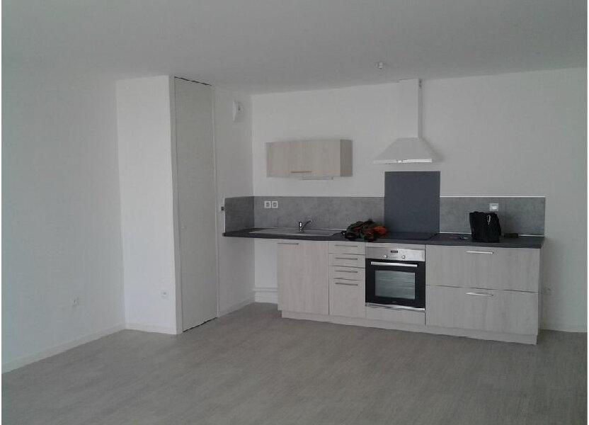 Appartement à louer 66.7m2 à Bezannes