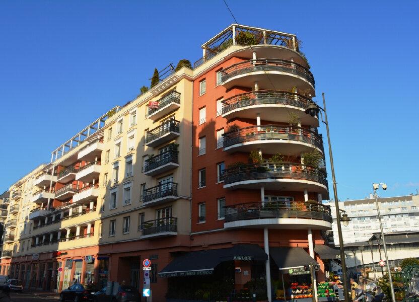 Appartement à louer 108.54m2 à Suresnes
