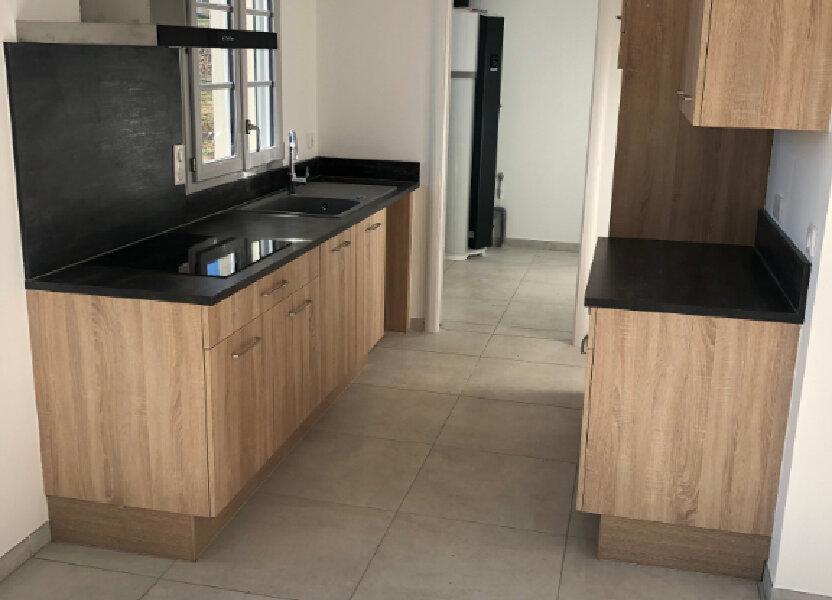 Maison à louer 81m2 à Chambry