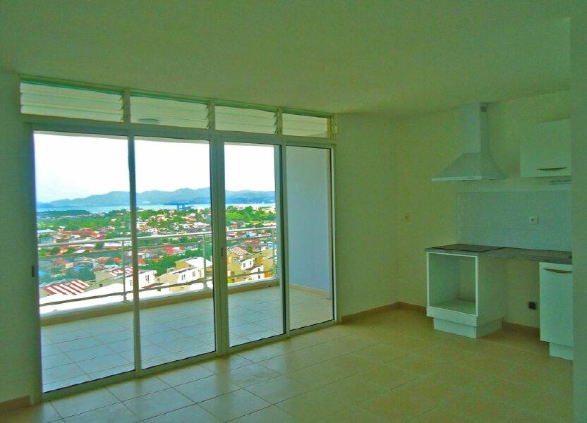 Appartement à louer 61.82m2 à Fort-de-France