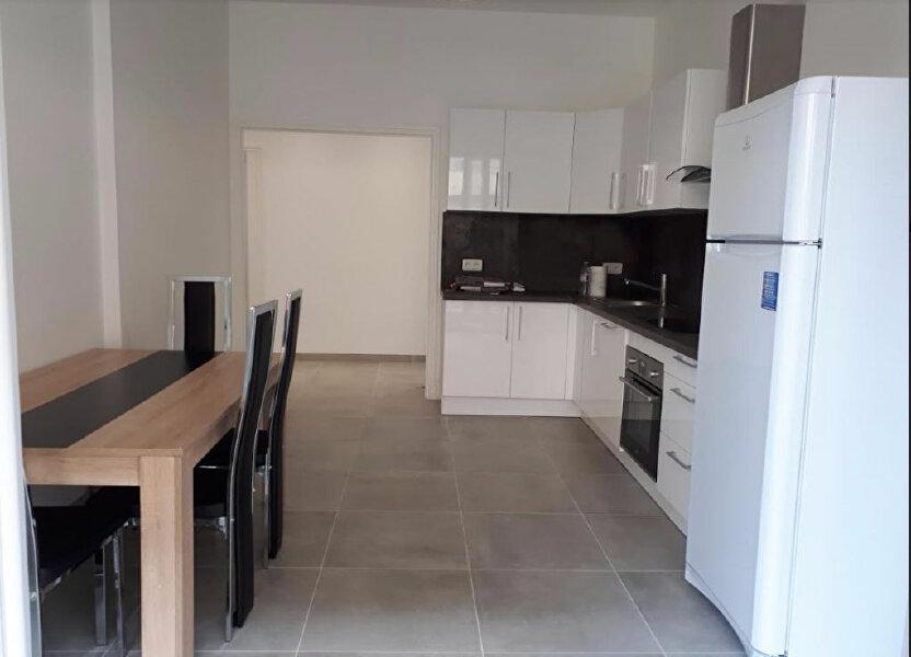 Appartement à louer 81.19m2 à Nice