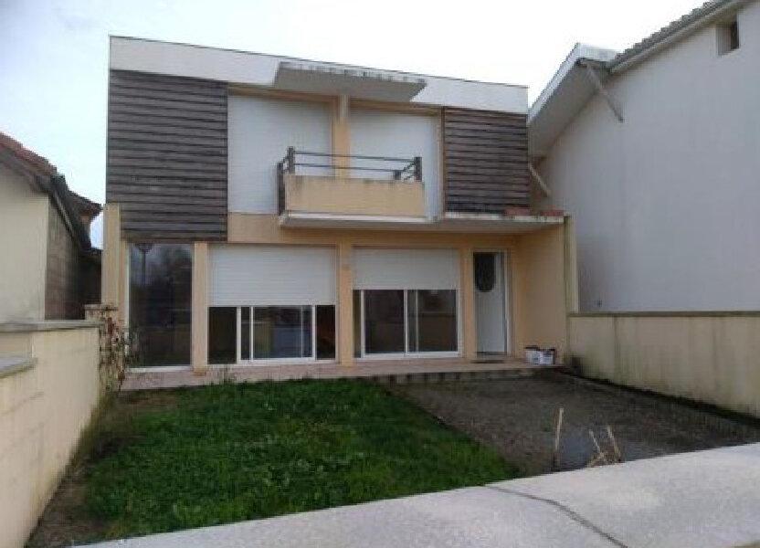 Appartement à louer 112m2 à Castelnau-Chalosse