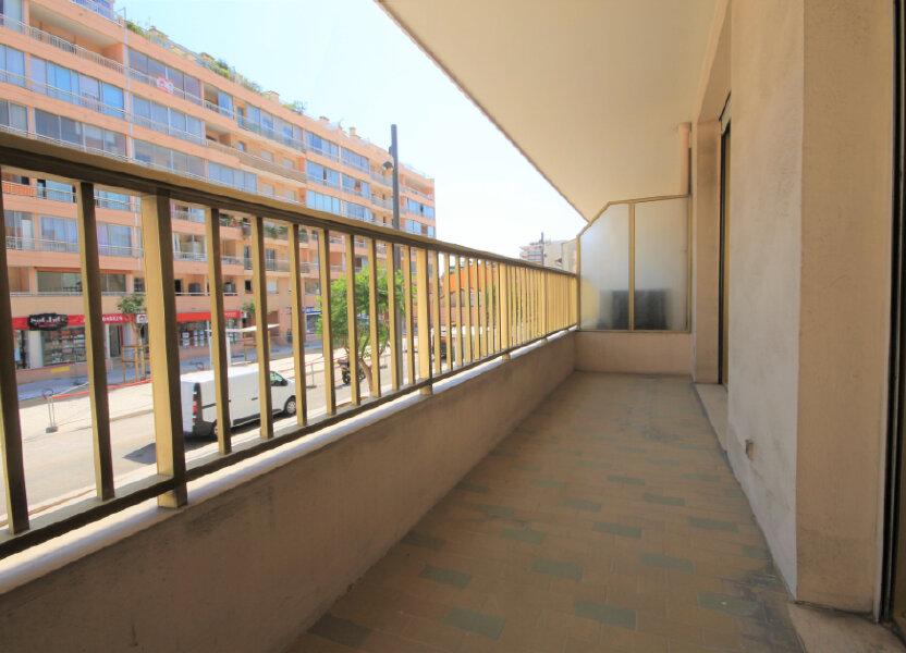 Appartement à louer 32.24m2 à Cannes