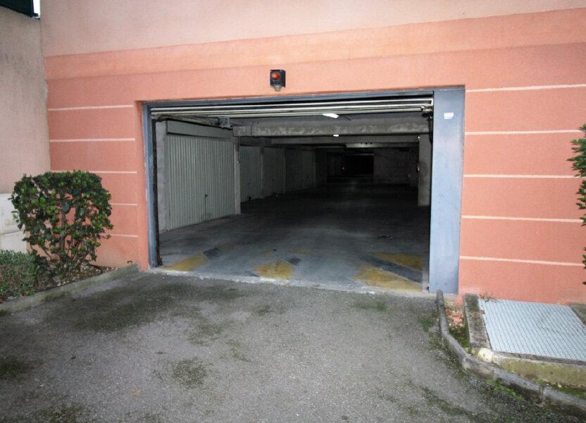 Stationnement à vendre 13.6m2 à Marseille 9