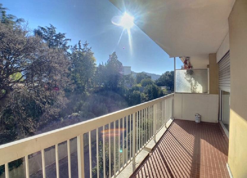 Appartement à louer 72.96m2 à Marseille 8
