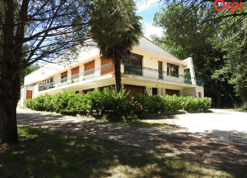 Maison à vendre 374.3m2 à Saint-Romain-de-Benet