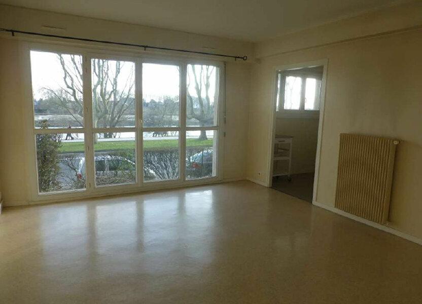 Appartement à louer 43.99m2 à Orléans
