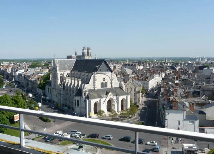 Appartement à louer 59.6m2 à Orléans