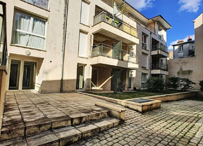 Appartement à louer 63.8m2 à Orléans