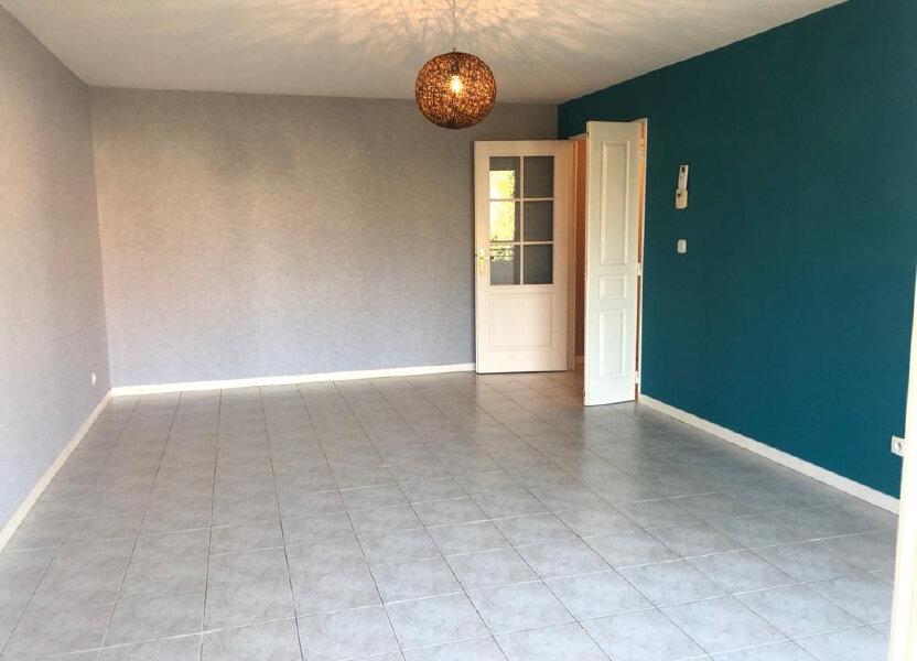 Appartement à louer 67.49m2 à Gex