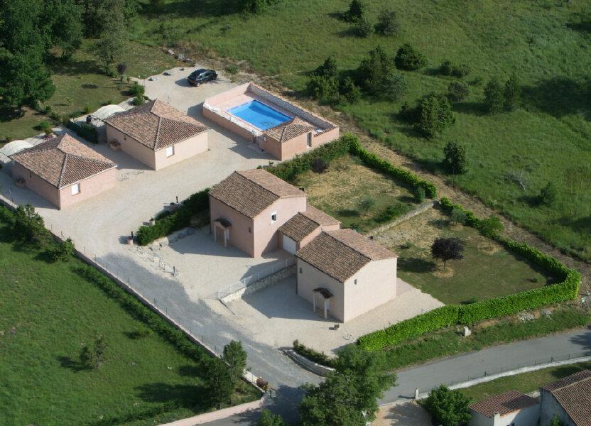 Maison à vendre 420m2 à Salavas