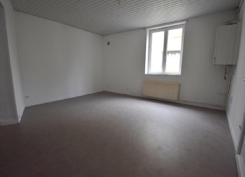 Appartement à louer 81m2 à Guînes