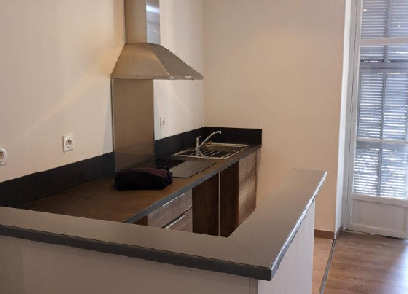 Appartement à louer 59.2m2 à Nice