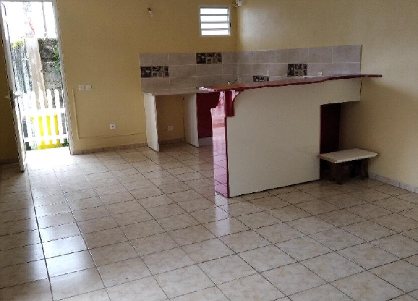 Appartement à louer 57m2 à Rivière-Pilote