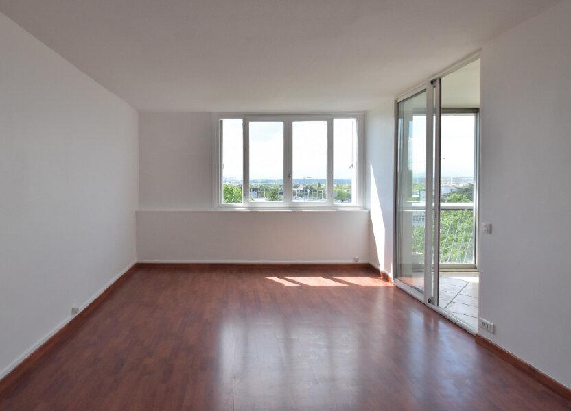 Appartement à louer 62m2 à Bron
