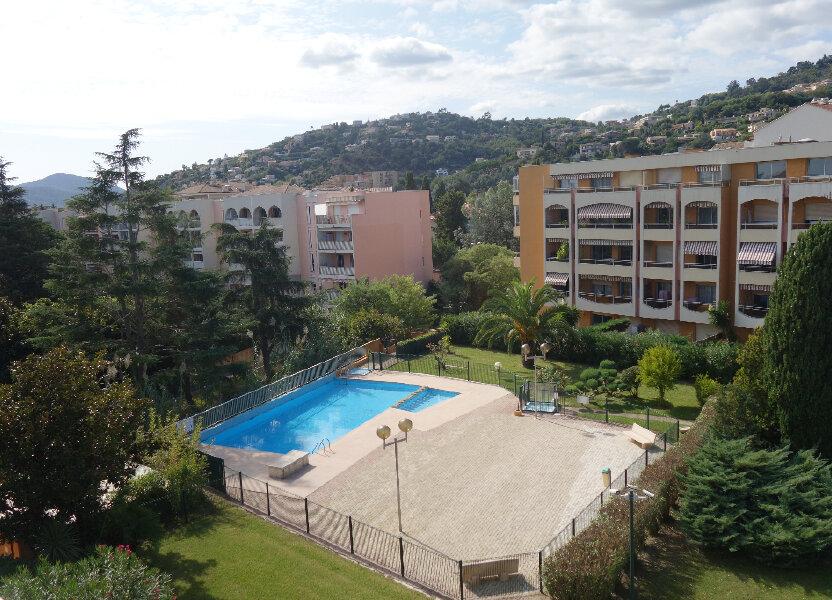 Appartement à louer 31m2 à Mandelieu-la-Napoule