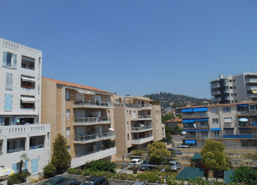 Appartement à louer 55.28m2 à Cannes