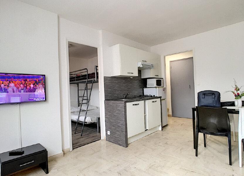 Appartement à louer 31m2 à Cannes