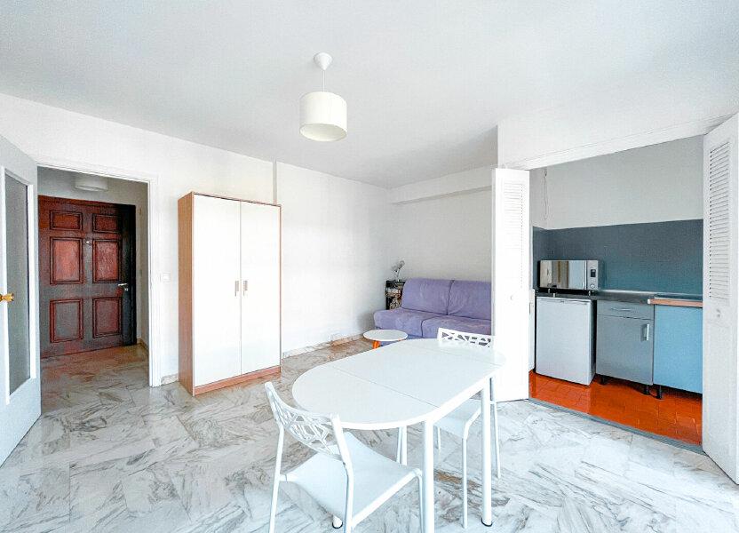 Appartement à louer 28m2 à Cannes