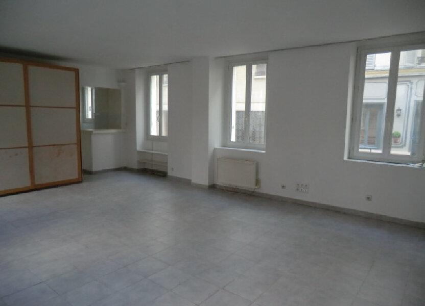 Appartement à louer 53.79m2 à Vanves