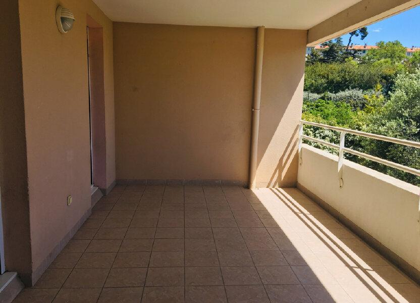 Appartement à louer 68m2 à Marseille 12