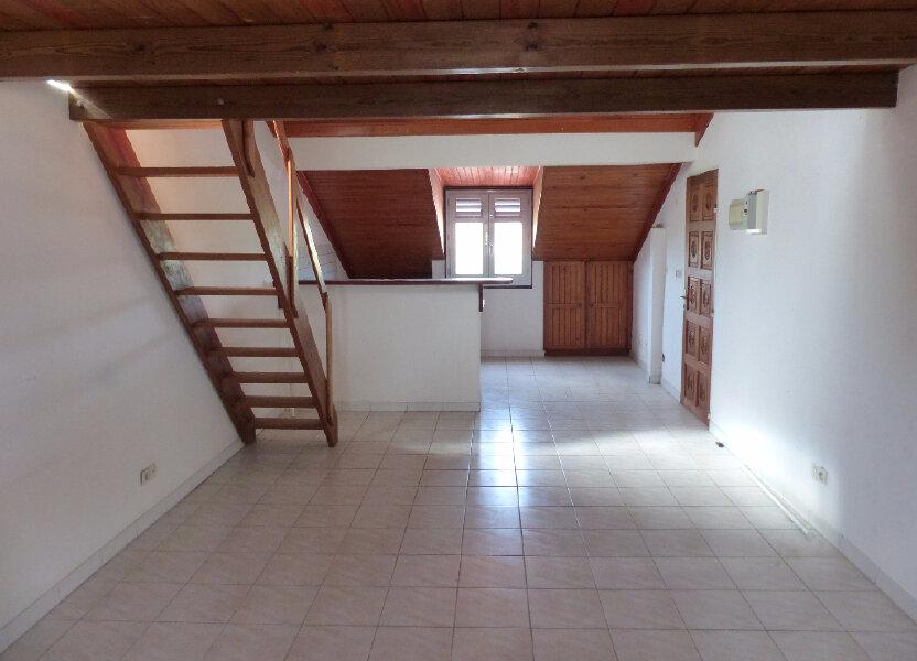 Appartement à louer 42m2 à Rivière-Salée