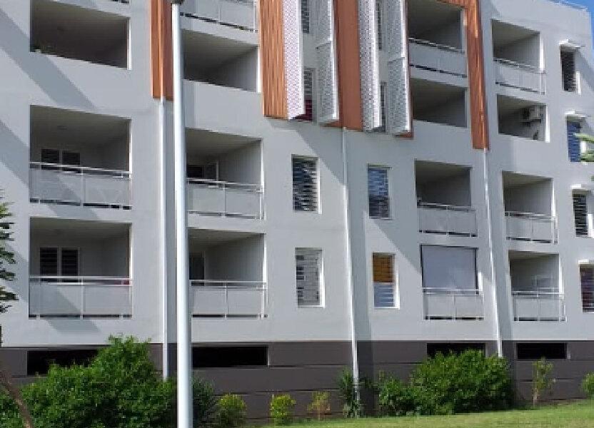 Appartement à louer 81m2 à Fort-de-France
