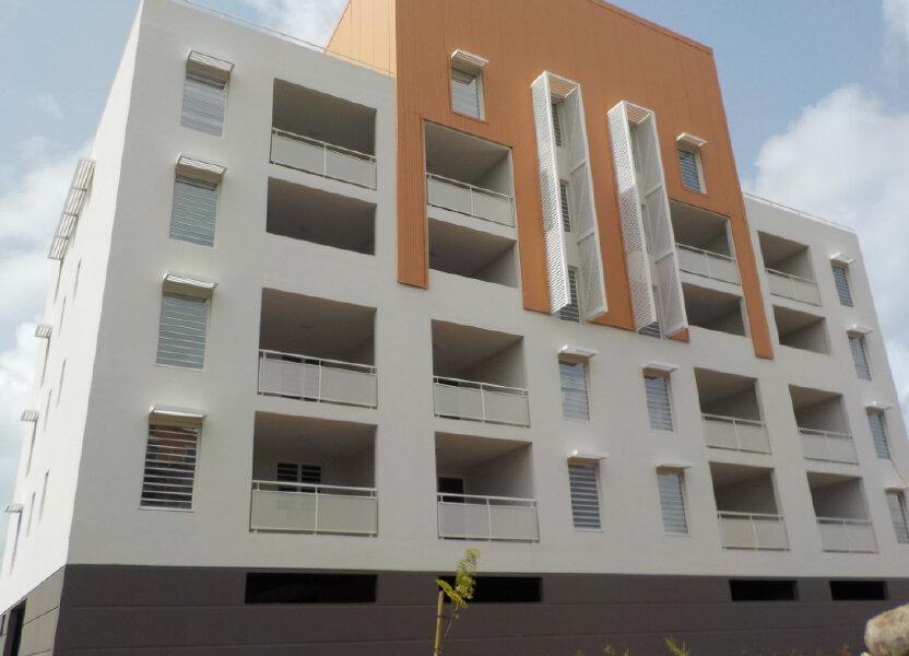 Appartement à louer 97m2 à Fort-de-France