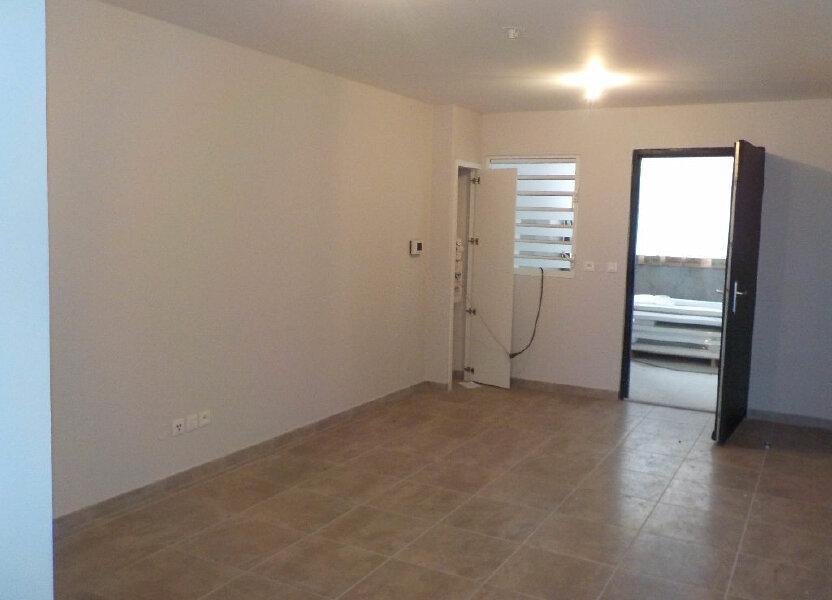 Appartement à louer 67.86m2 à Fort-de-France