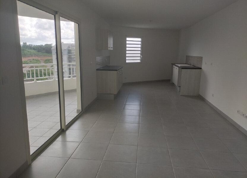 Appartement à louer 71.56m2 à Fort-de-France