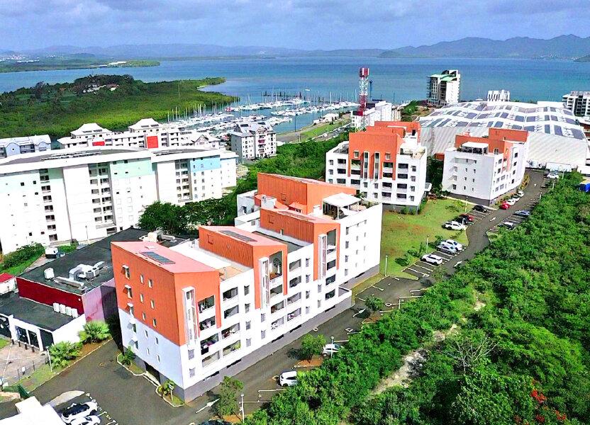 Appartement à louer 67.65m2 à Fort-de-France
