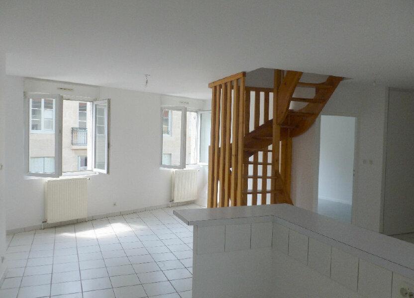 Appartement à louer 87.87m2 à Saint-Étienne