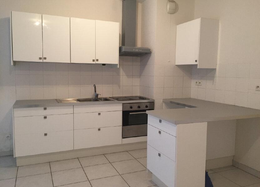 Appartement à louer 67.36m2 à Saint-Étienne