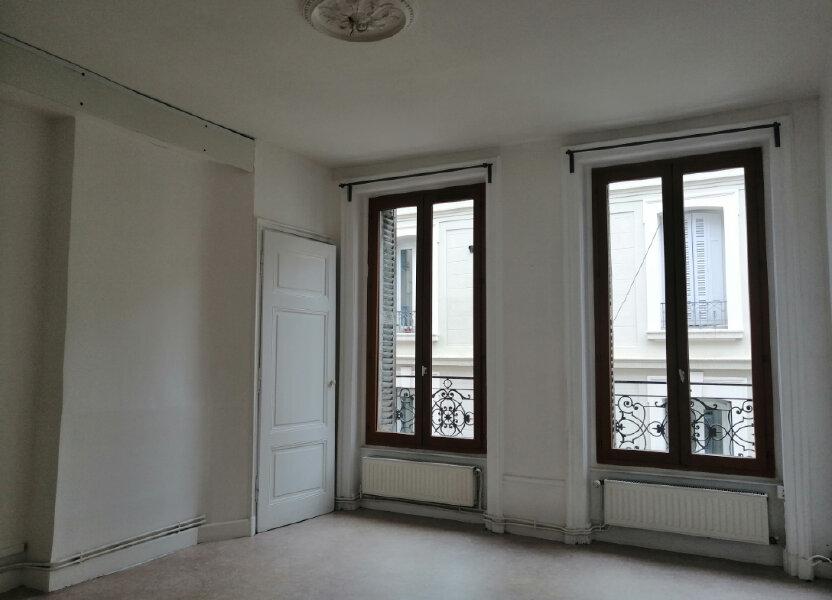 Appartement à louer 62.53m2 à Saint-Étienne