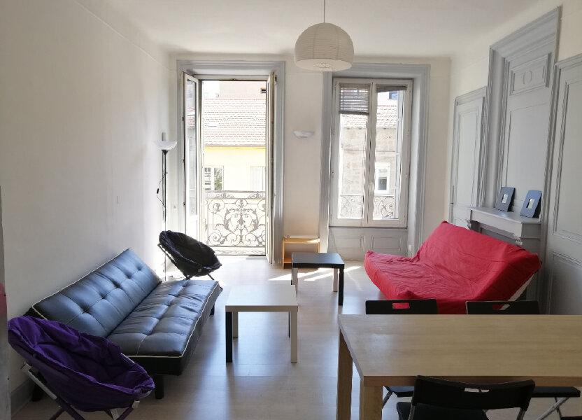 Appartement à louer 84.29m2 à Saint-Étienne