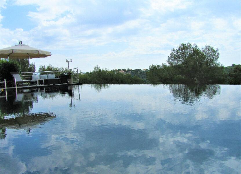 Maison à vendre 220m2 à Cagnes-sur-Mer