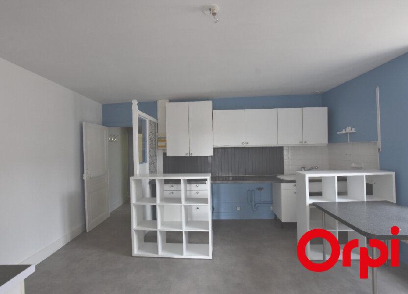 Appartement à louer 65m2 à Larajasse