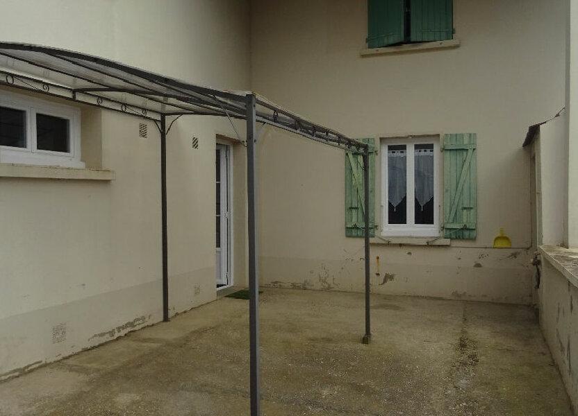 Appartement à louer 126m2 à Rontalon